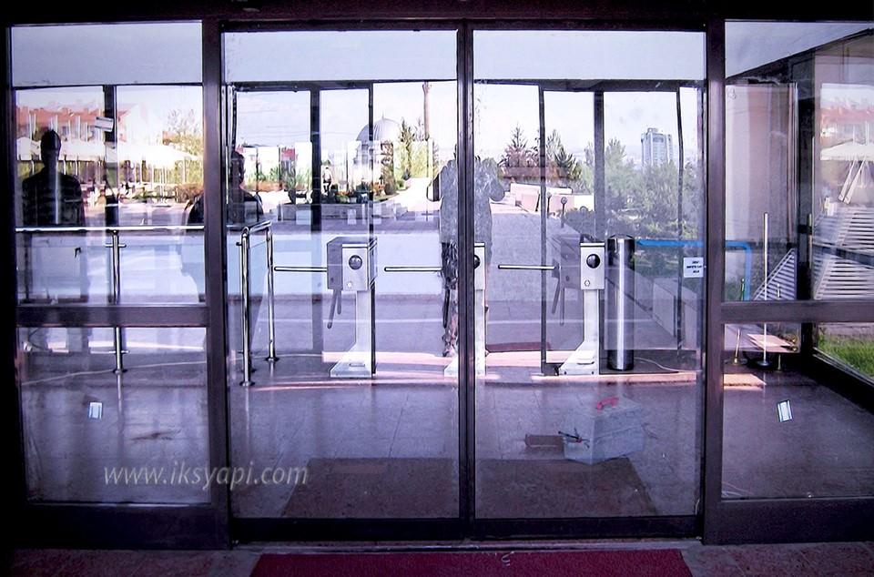 otomatik cam kapi uygun fiyati